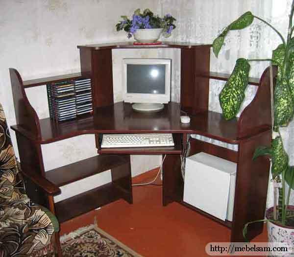 Чертежи для самодельного компьютерного стола.